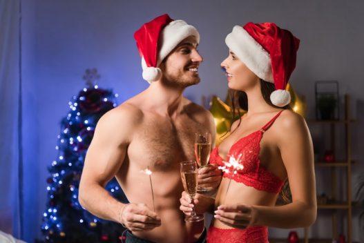 Par i juleundertøj
